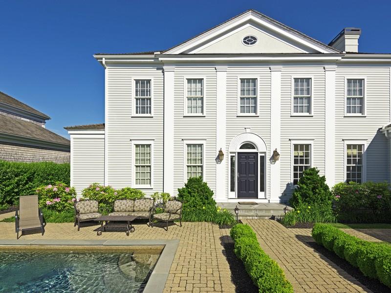 Maison unifamiliale pour l Vente à 31 Carnegie Harbor Drive Portsmouth, Rhode Island 02871 États-Unis