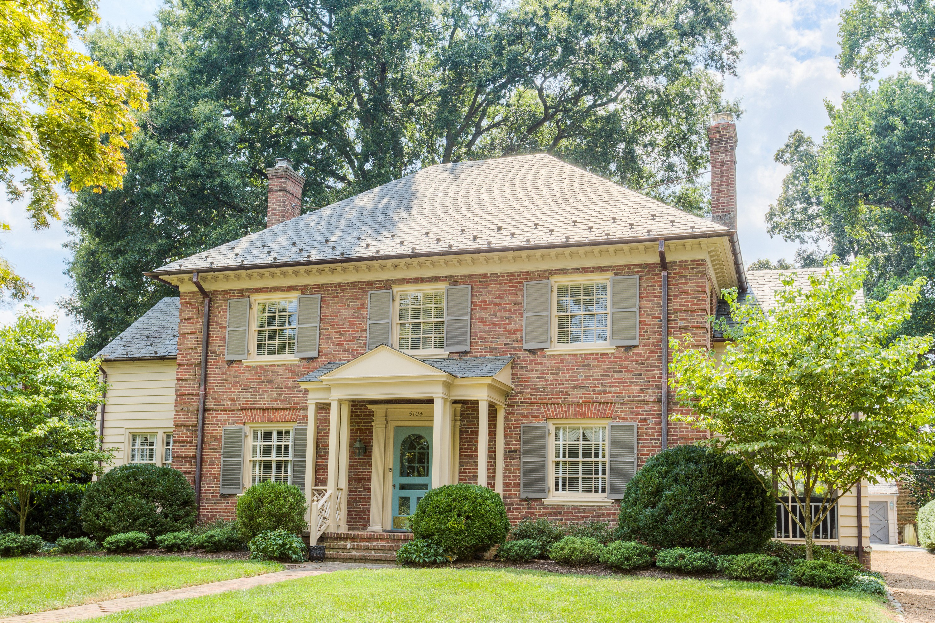 Single Family Home for Sale at 5104 Riverside Drive Westover Hills, Richmond, Virginia, 23225 United States