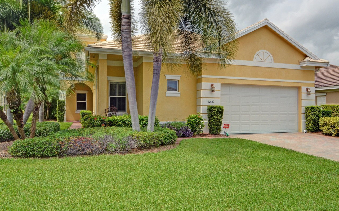 Single Family Home for Sale at Exceptional Lakefront Home 1226 River Reach Dr Vero Beach, Florida, 32967 United States