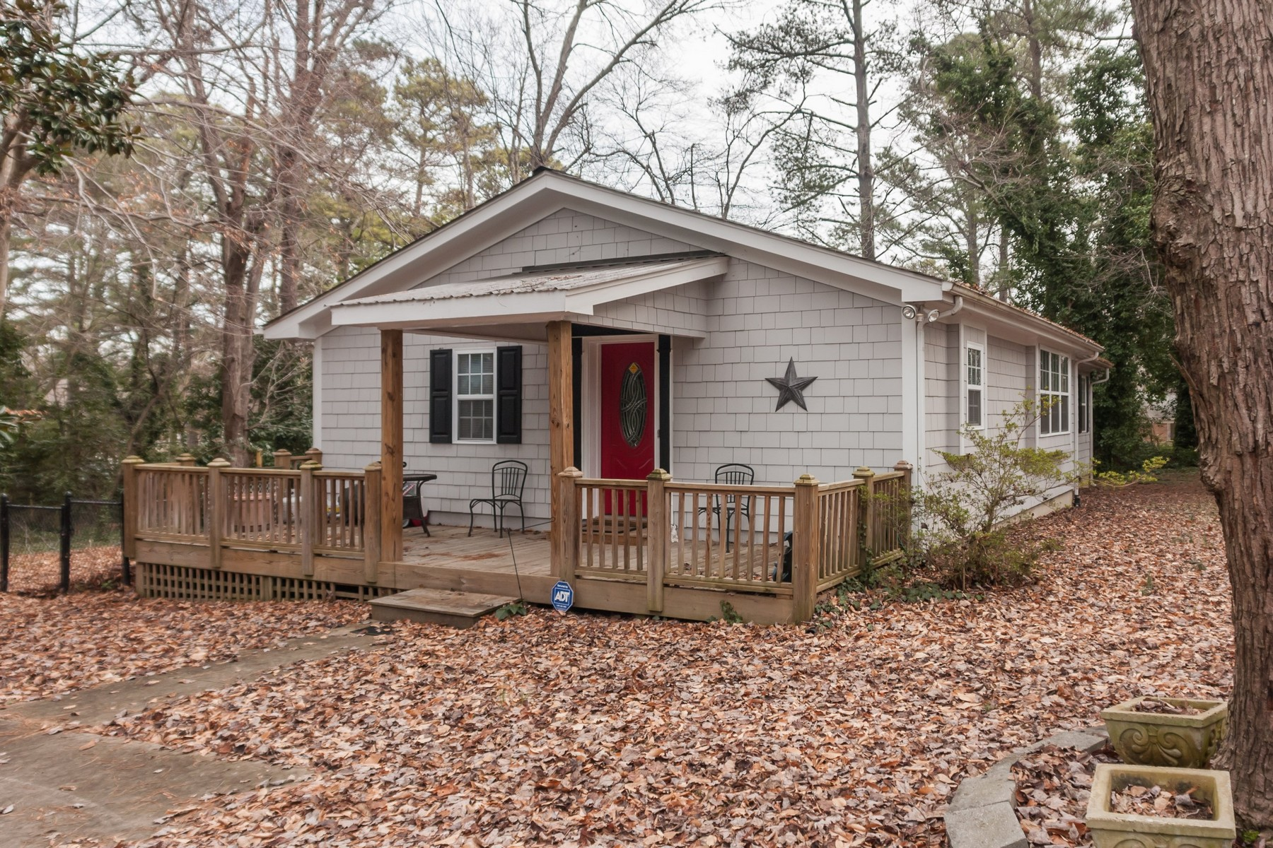 Single Family Home for Sale at Midtowne Ranch 4536 Revere Drive Raleigh, North Carolina 27609 United States