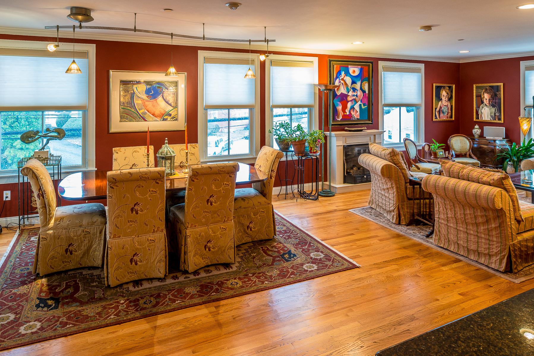 Condomínio para Venda às In Town Luxury 18 Prospect Street Unit 1 Marblehead, Massachusetts, 01945 Estados Unidos