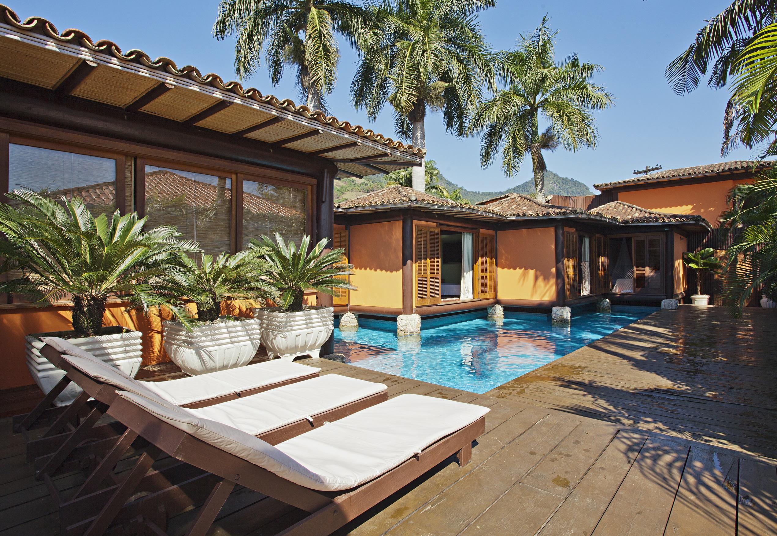 Maison unifamiliale pour l Vente à Sophiscated Canal Front Rua das Alamandras Condominio Porto Frade Angra Dos Reis, Rio De Janeiro, 23946015 Brésil