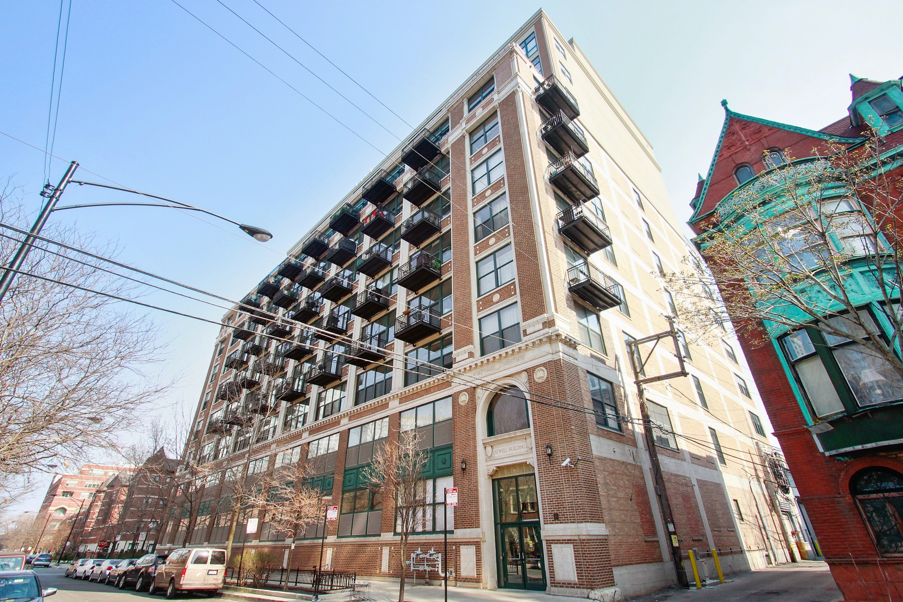Property For Sale at Spacious and Bright Corner Unit