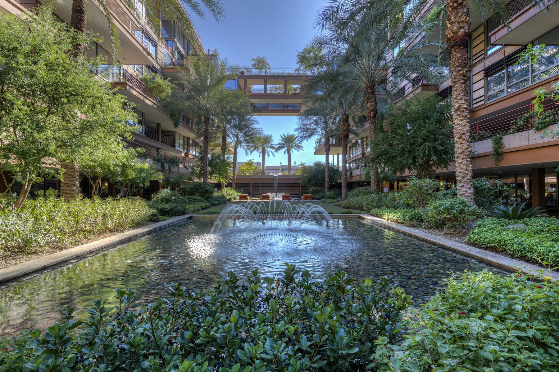 アパート のために 売買 アット Experience the art of urban luxury condo living in the Optima Camelview Village 7157 E Rancho Vista Dr #4011 Scottsdale, アリゾナ, 85251 アメリカ合衆国