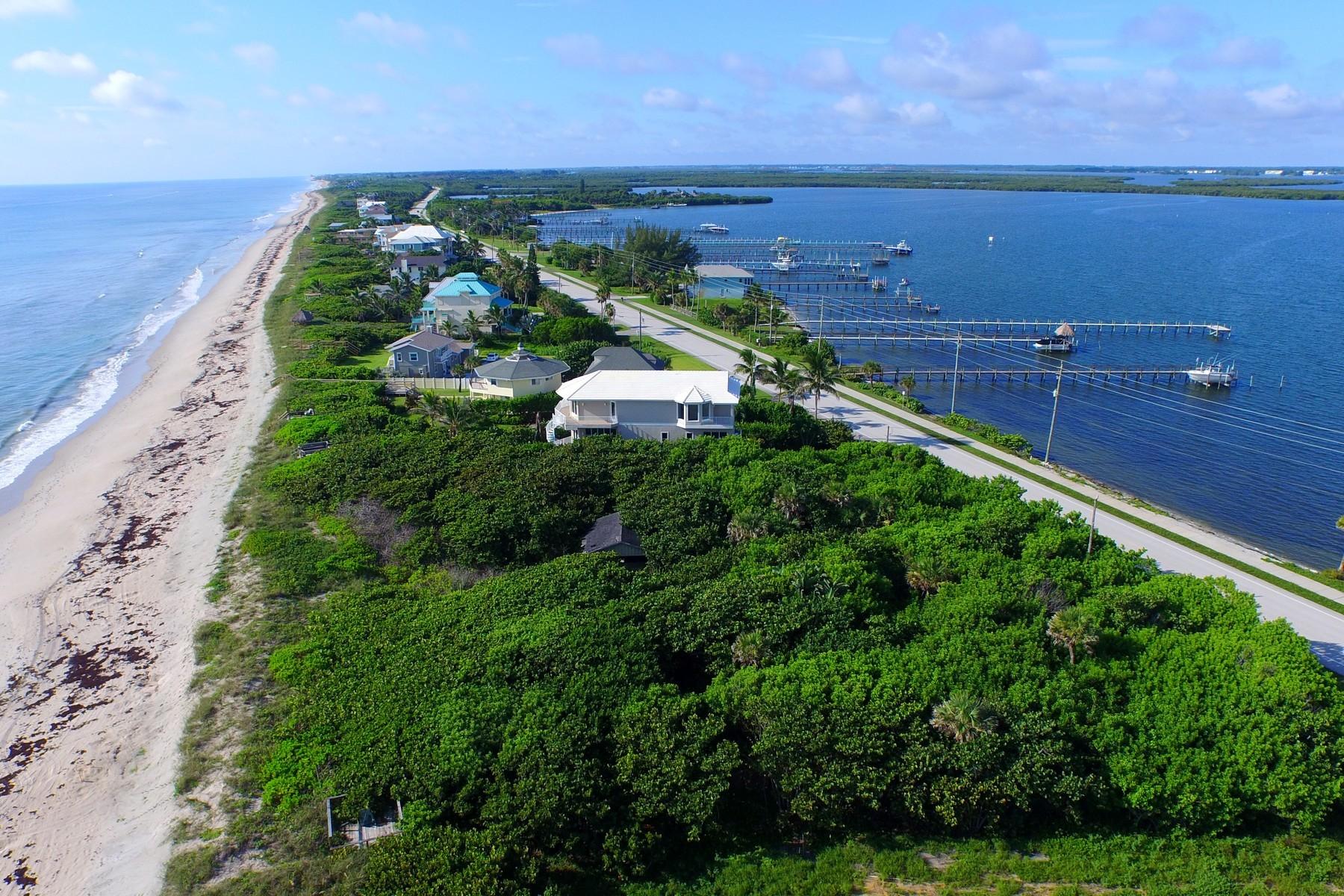 Terreno por un Venta en Ocean to river homesite in Ambersand Beach 12904 Highway A1A Vero Beach, Florida 32963 Estados Unidos