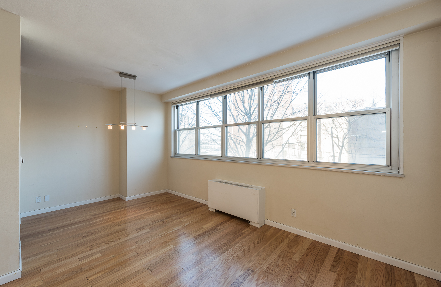 Property For Sale at Spacious 1 BR in Full-Service Building