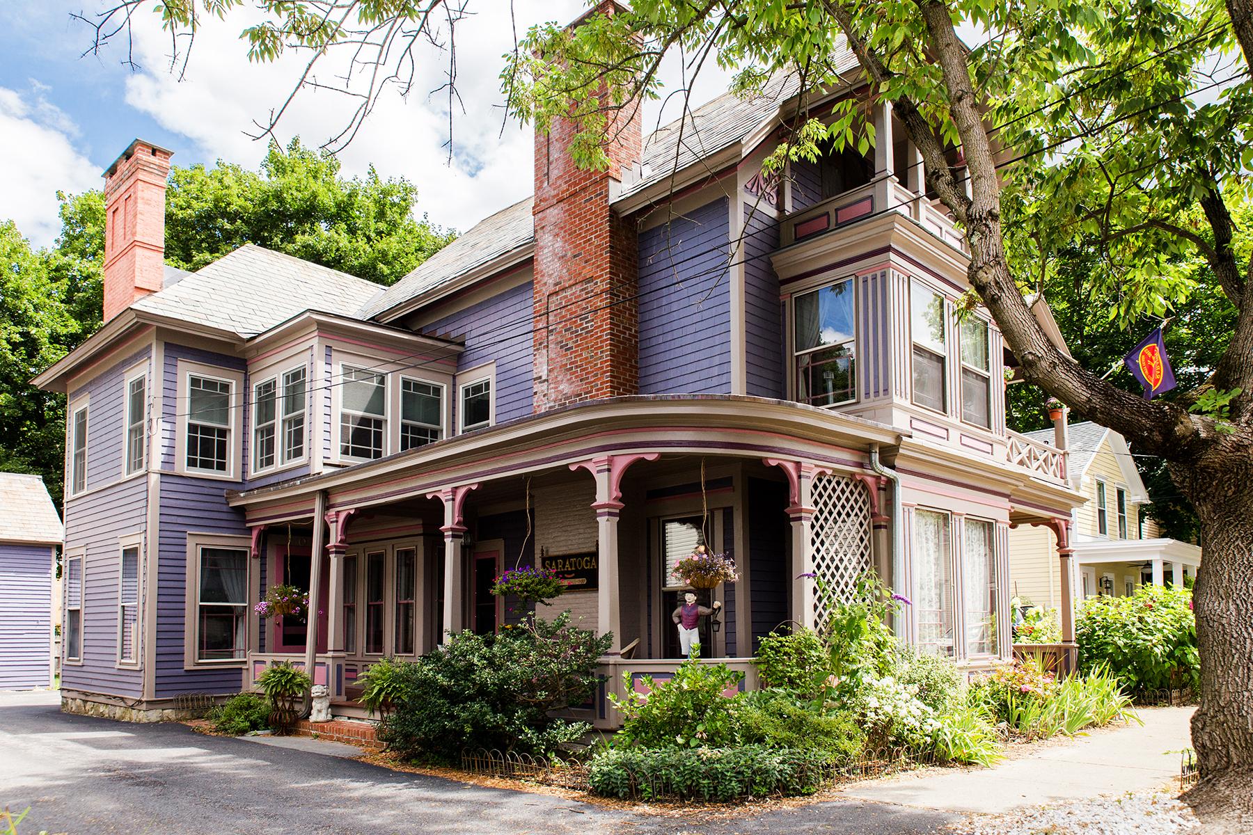 その他の住居 のために 売買 アット East Side Saratoga Springs Victorian 147 Spring Street Saratoga Springs, ニューヨーク 12866 アメリカ合衆国