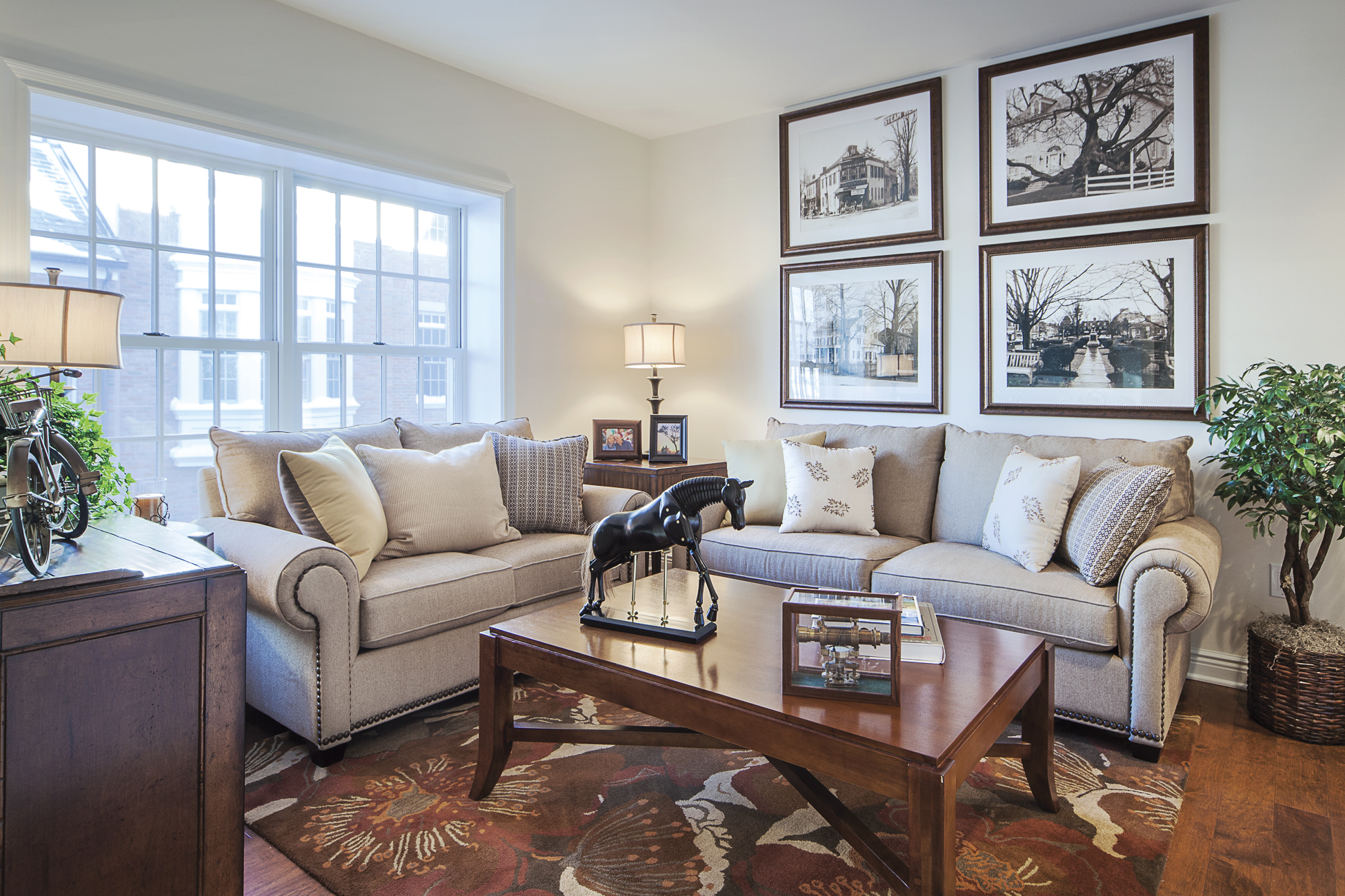 Additional photo for property listing at Luxurious Townhome in the Heart of Princeton 22 Paul Robeson Place Princeton, Nueva Jersey 08540 Estados Unidos