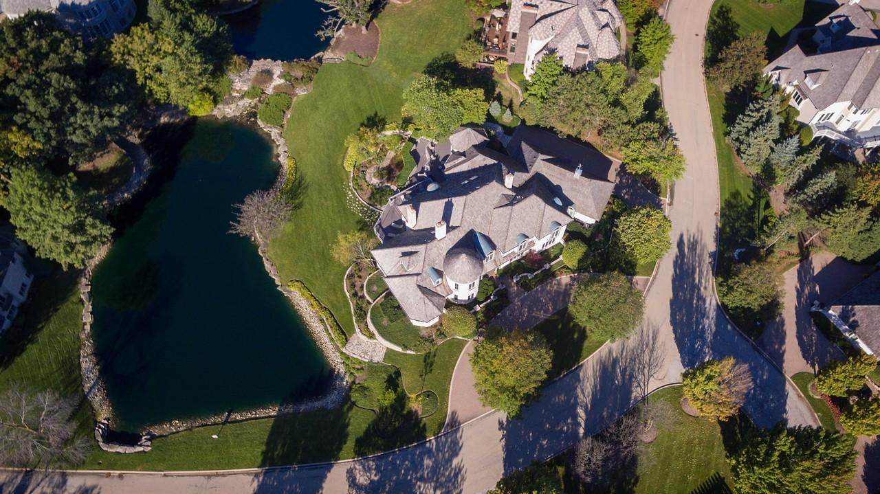 獨棟家庭住宅 為 出售 在 18 Ambriance Drive Burr Ridge, 伊利諾斯州, 60527 美國
