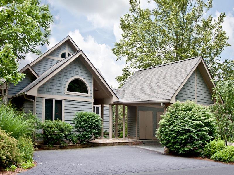 獨棟家庭住宅 為 出售 在 472 Lake Villas Way Highlands, 北卡羅來納州 28741 美國