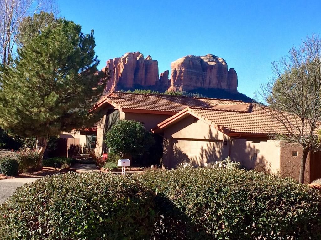 Tek Ailelik Ev için Satış at Surprising Hidden Gem 45 Talia Court Sedona, Arizona 86336 Amerika Birleşik Devletleri
