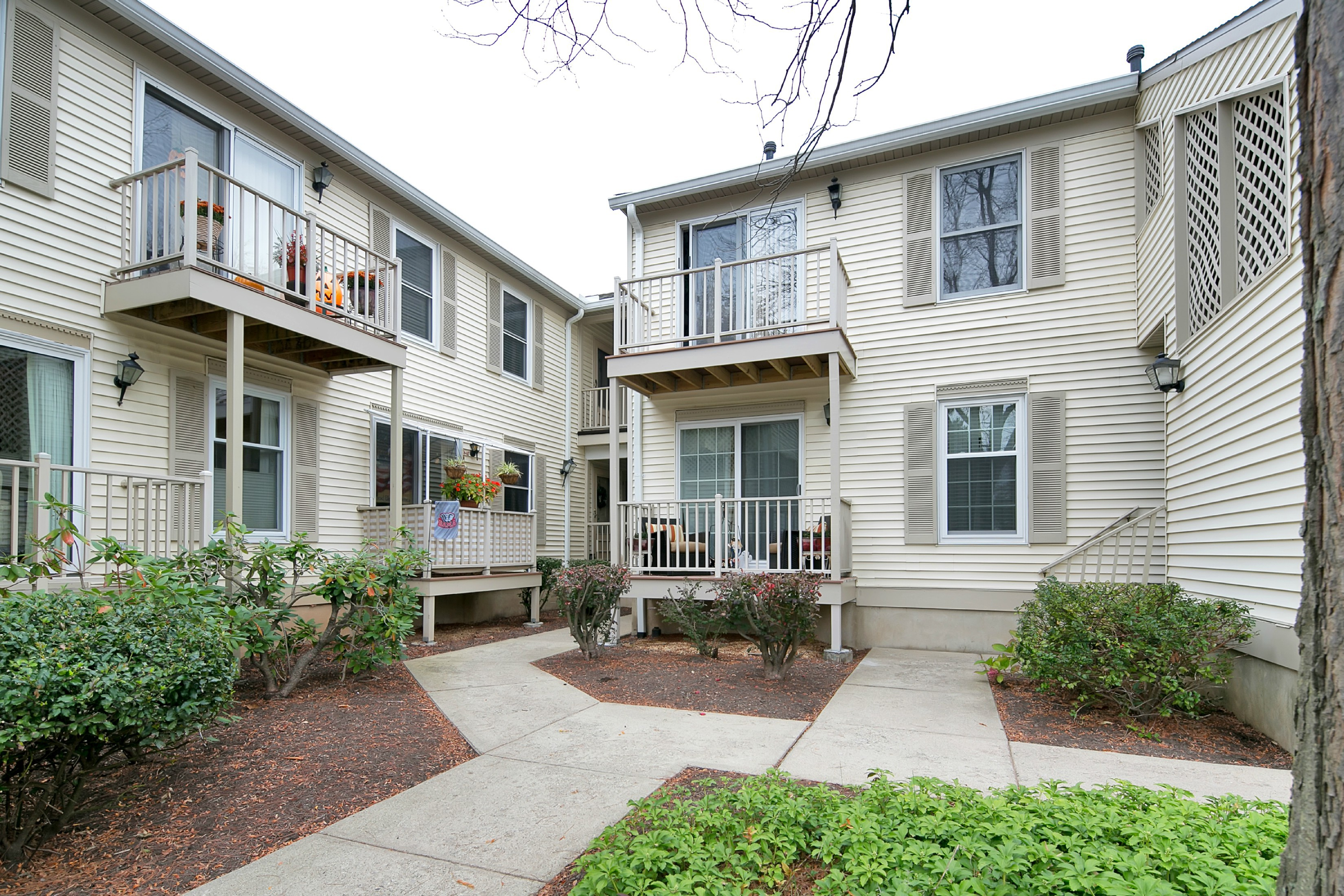Property For Sale at Beautifully Updated Condo