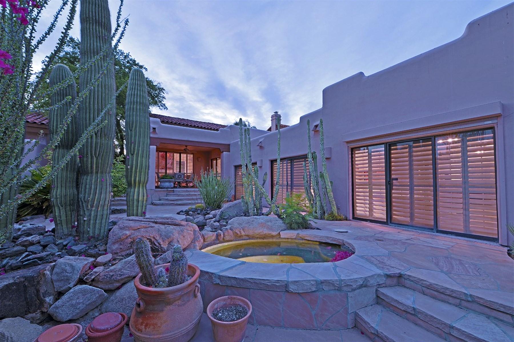 Частный односемейный дом для того Продажа на Lovely gated Biltmore Villas with big views of Camelback Mountain. 6179 N 29TH PL Phoenix, Аризона 85016 Соединенные Штаты