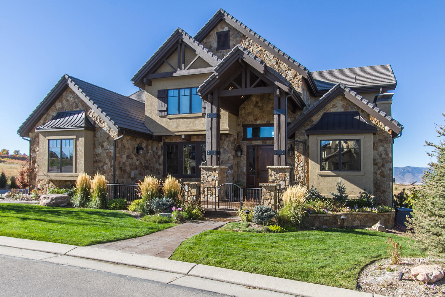 Single Family Home for Active at Colorado Custom Estate in Backcountry 10877 Rainribbon Road Highlands Ranch, Colorado 80126 United States