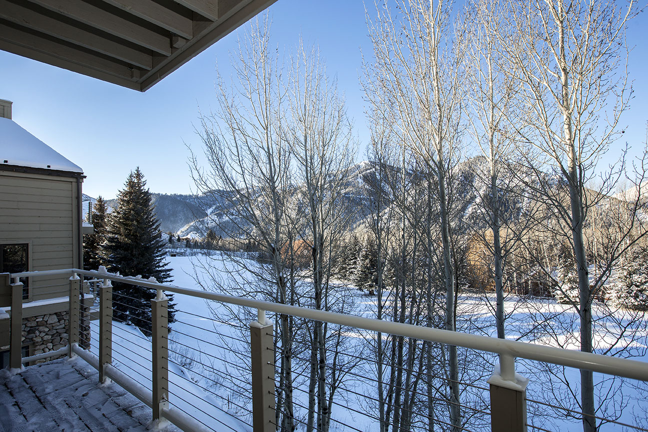 Additional photo for property listing at Great Location On The Saddle With Views 235 Spur Lane #104 Ketchum, Idaho 83340 United States