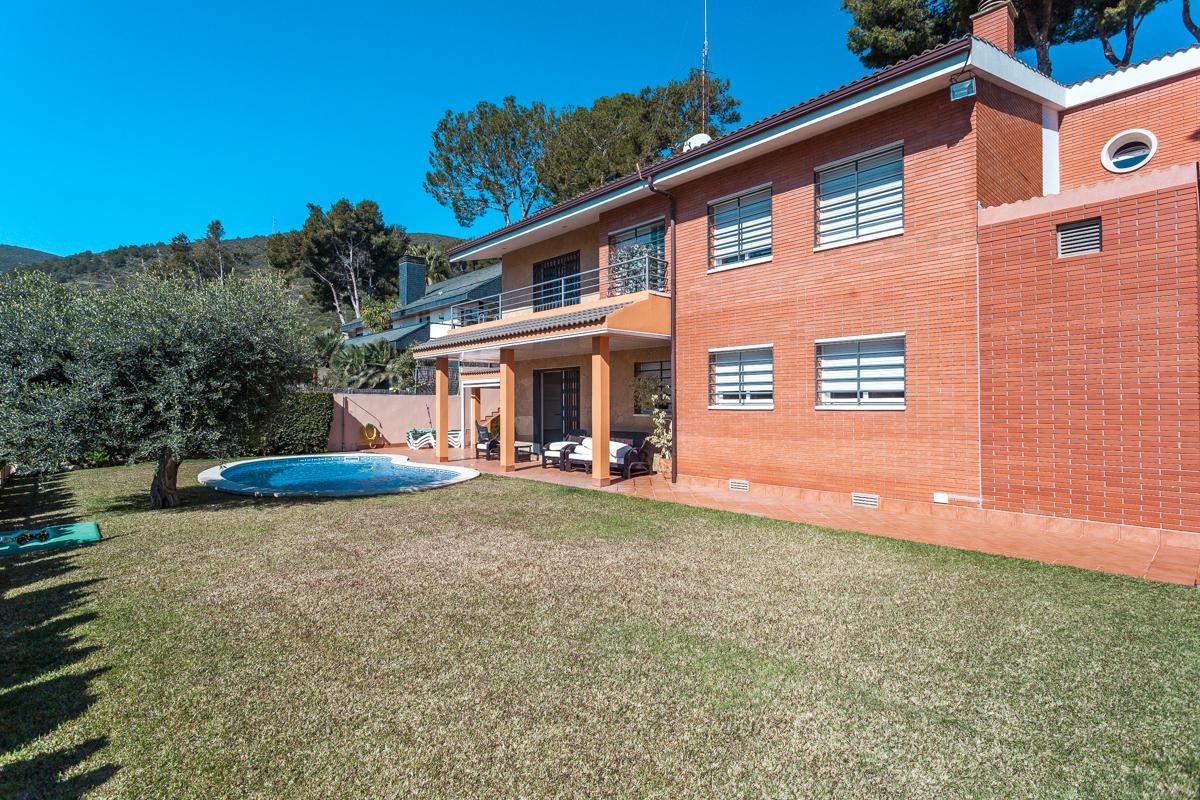 단독 가정 주택 용 매매 에 Great house in the best area of Castelldefels Castelldefels, Barcelona 08860 스페인
