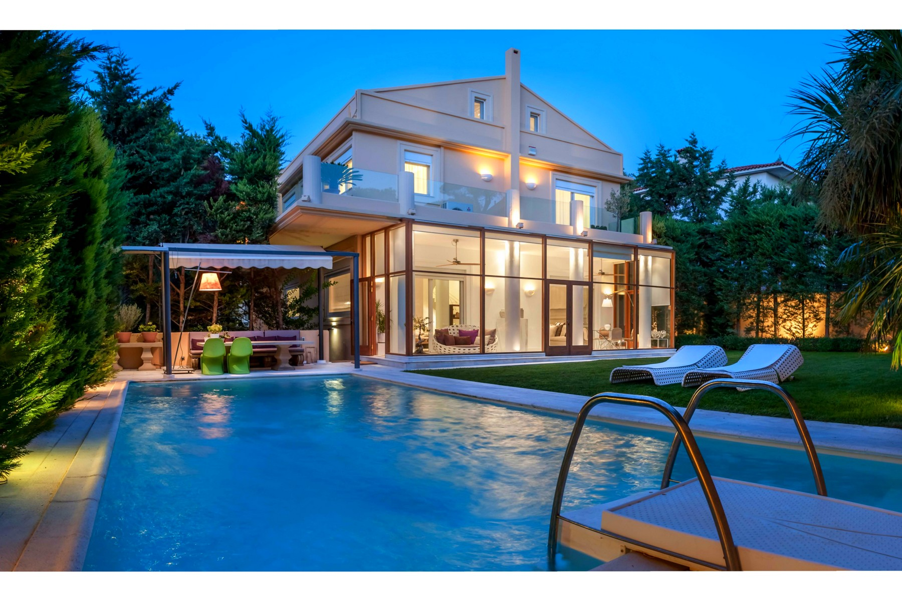 Property For Sale at Luxury Touch