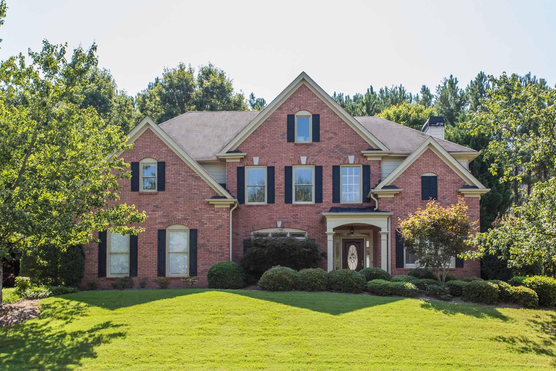 Частный односемейный дом для того Продажа на Lake and Country Club Lifestyle with Top-Rated Schools 1680 Wynridge Path Alpharetta, Джорджия, 30005 Соединенные Штаты