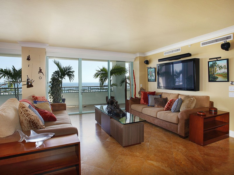 Condomínio para Venda às 3400 SW 27 Ave #1502 Coconut Grove, Florida 33133 Estados Unidos