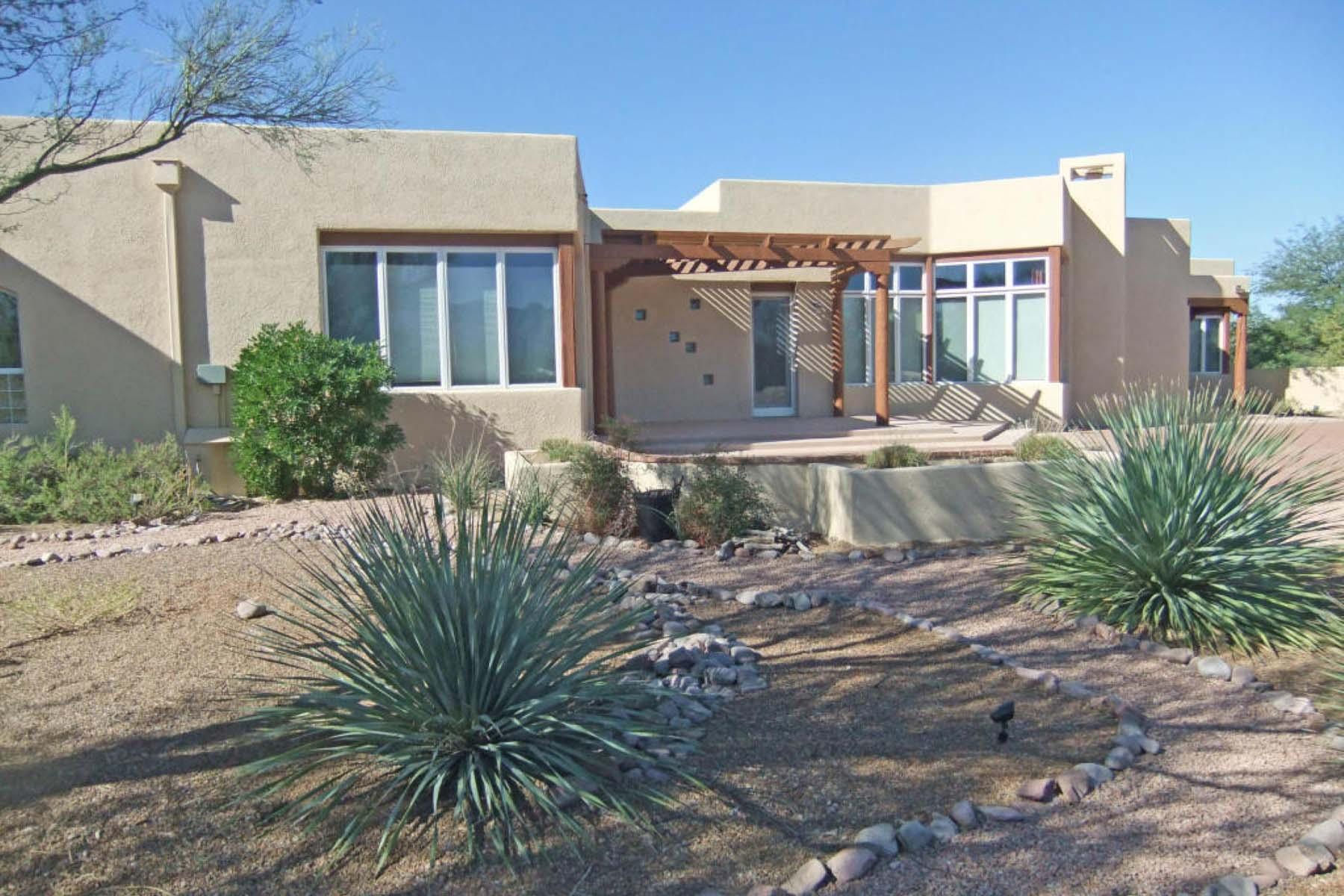 Vivienda unifamiliar por un Venta en Deluxe custom home that capture the majestic Santa Rita Mountains. 11 Calle Diaz Tubac, Arizona 85646 Estados Unidos