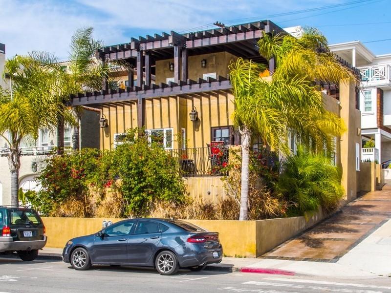 Vivienda unifamiliar por un Venta en 101 16th Street Hermosa Beach, California 90254 Estados Unidos
