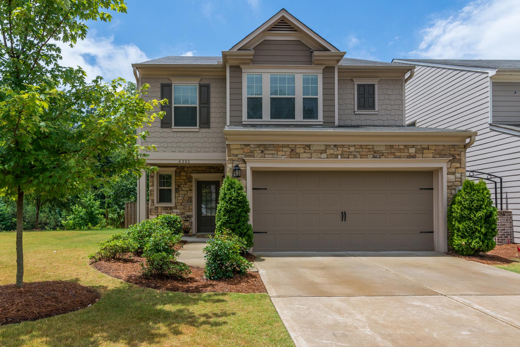 Villa per Vendita alle ore Alpharetta Address With Low Forsyth Taxes! 6280 Crested Moss Drive Alpharetta, Georgia, 30004 Stati Uniti