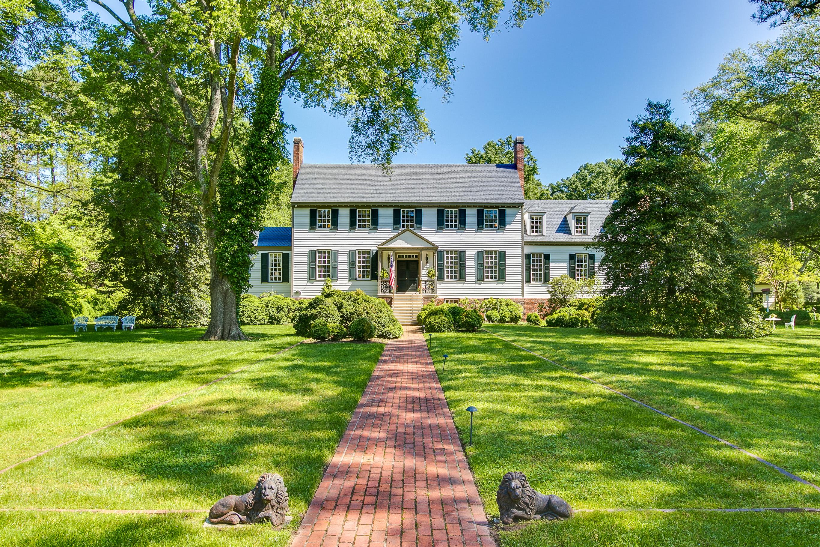 Casa Unifamiliar por un Venta en 70+ acre waterside estate 7971 Glass Road Ordinary, Virginia, 23072 Estados Unidos