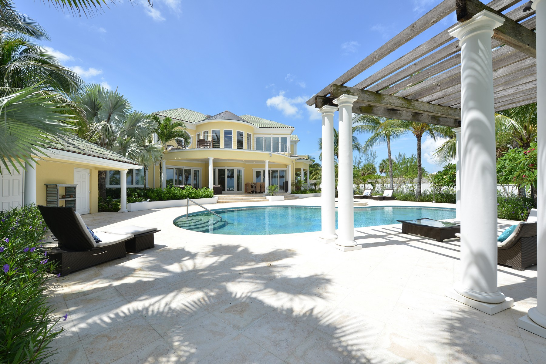 Single Family Home for Sale at Old Fort Bay House on Ocean Drive Old Fort Bay, Nassau And Paradise Island, Bahamas
