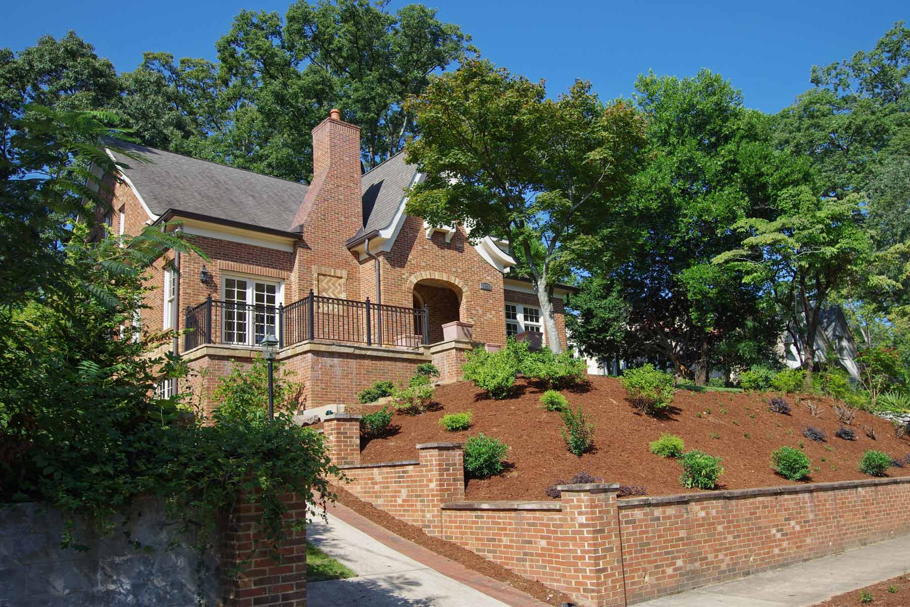Additional photo for property listing at Morningside Traditional Masterpiece 1356 Northview Avenue NE Atlanta, Georgia 30306 Estados Unidos