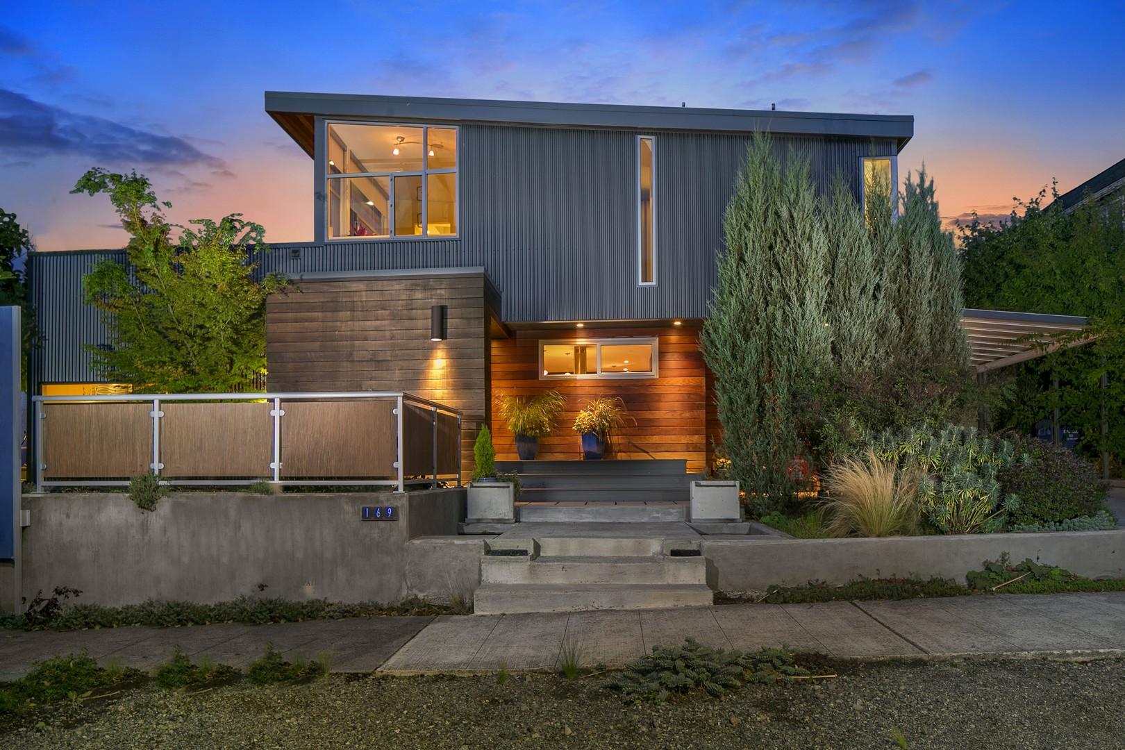 Einfamilienhaus für Verkauf beim Eco Urban Modern 169 Lynn St Queen Anne, Seattle, Washington, 98109 Vereinigte Staaten