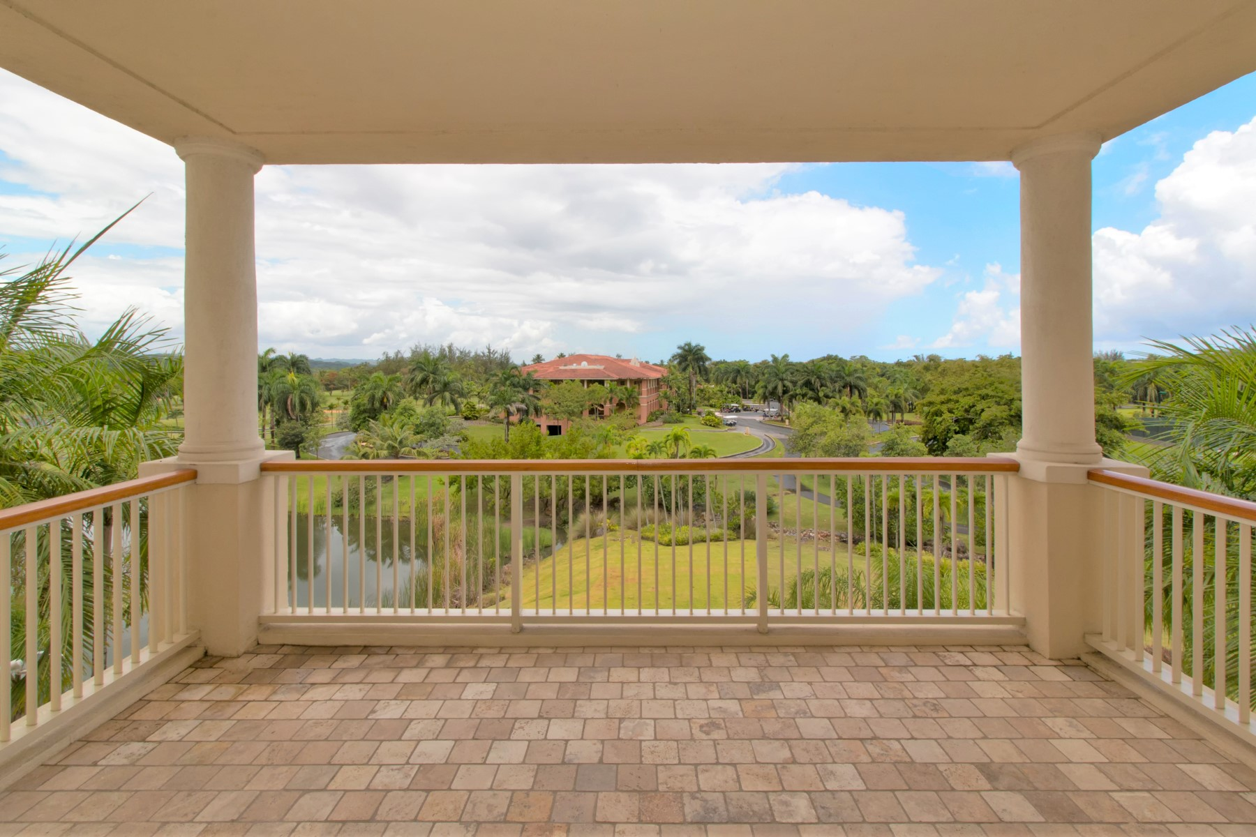 Additional photo for property listing at Duplex 4 Bedroom at Plantation Residences Plantation Village, Dorado Beach Building 1, Apt 207 Dorado, Puerto Rico 00646 Puerto Rico