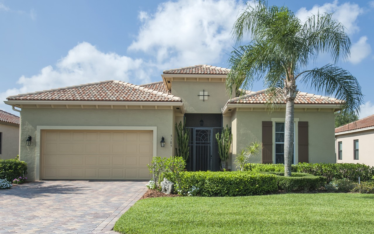 Single Family Home for Sale at Captivating Estate home in Vero Lago 5185 55th St Vero Beach, Florida, 32967 United States