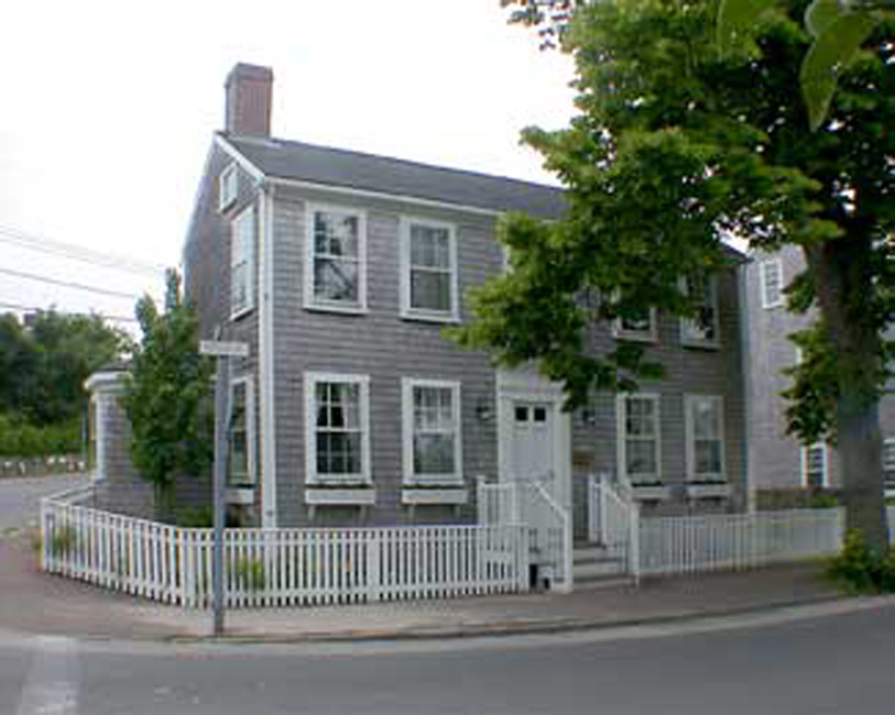 Casa Unifamiliar por un Venta en Two for One 45 A and B Pleasant Street Nantucket, Massachusetts 02554 Estados Unidos