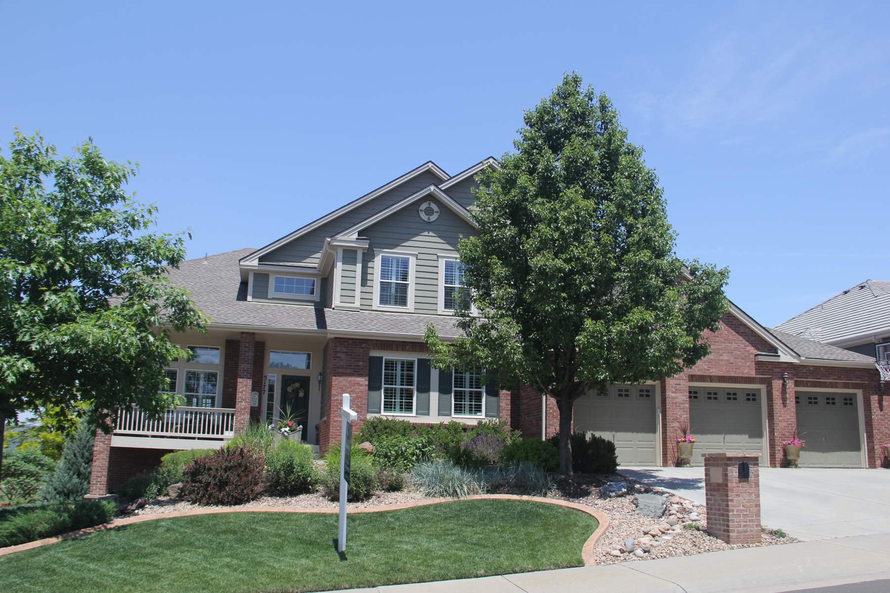 Single Family Home for Sale at Special Family Home in Prestigious Soaring Eagle Estates 5177 Bear Paw Dr Castle Rock, Colorado 80109 United States