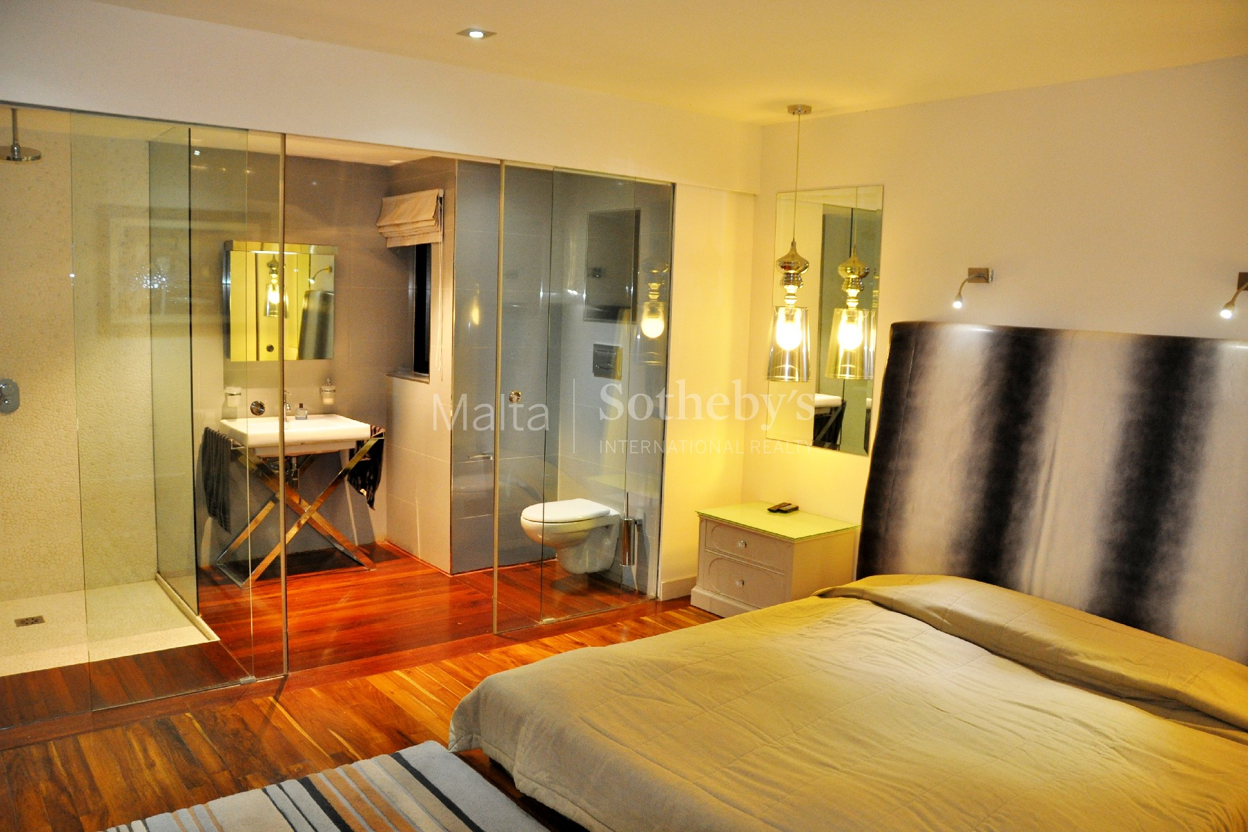 Property Of Luxury Waterfront Apartment