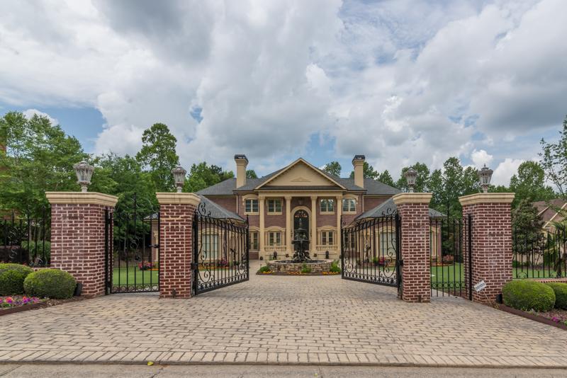 Casa para uma família para Venda às New Classic Custom Home 1230 Hopewell Crest Alpharetta, Geórgia 30004 Estados Unidos