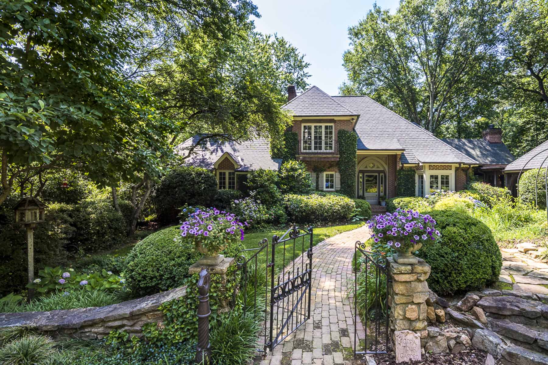 一戸建て のために 売買 アット Enchanting English Country Estate in Sandy Springs 5219 Riverview Road NW Sandy Springs, Atlanta, ジョージア, 30327 アメリカ合衆国