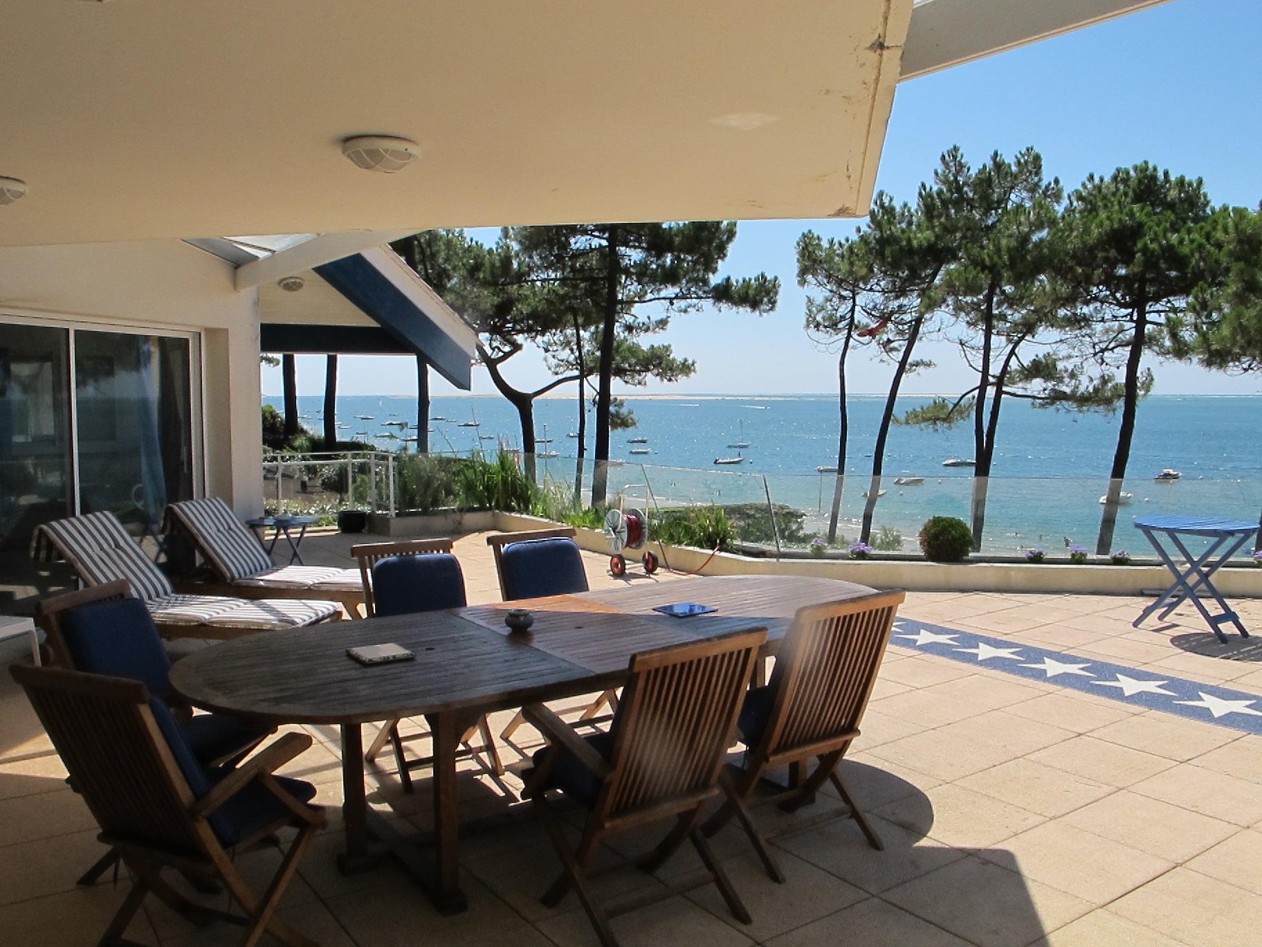 Nhà ở một gia đình vì Bán tại Front Bay Villa Pyla sur Mer Pyla Sur Mer, Aquitaine 33115 Pháp
