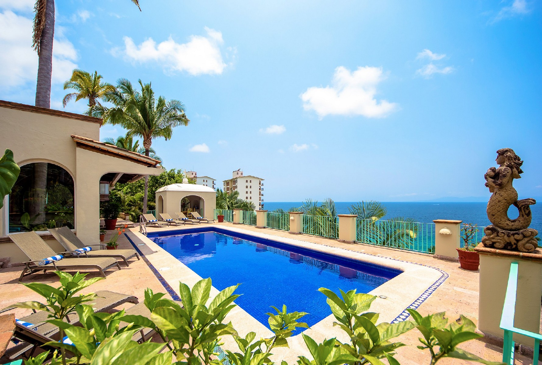 Additional photo for property listing at Casa Peregrina, Puerto Vallarta Paseo Sierra del Mar Puerto Vallarta, Jalisco 48294 Mexico