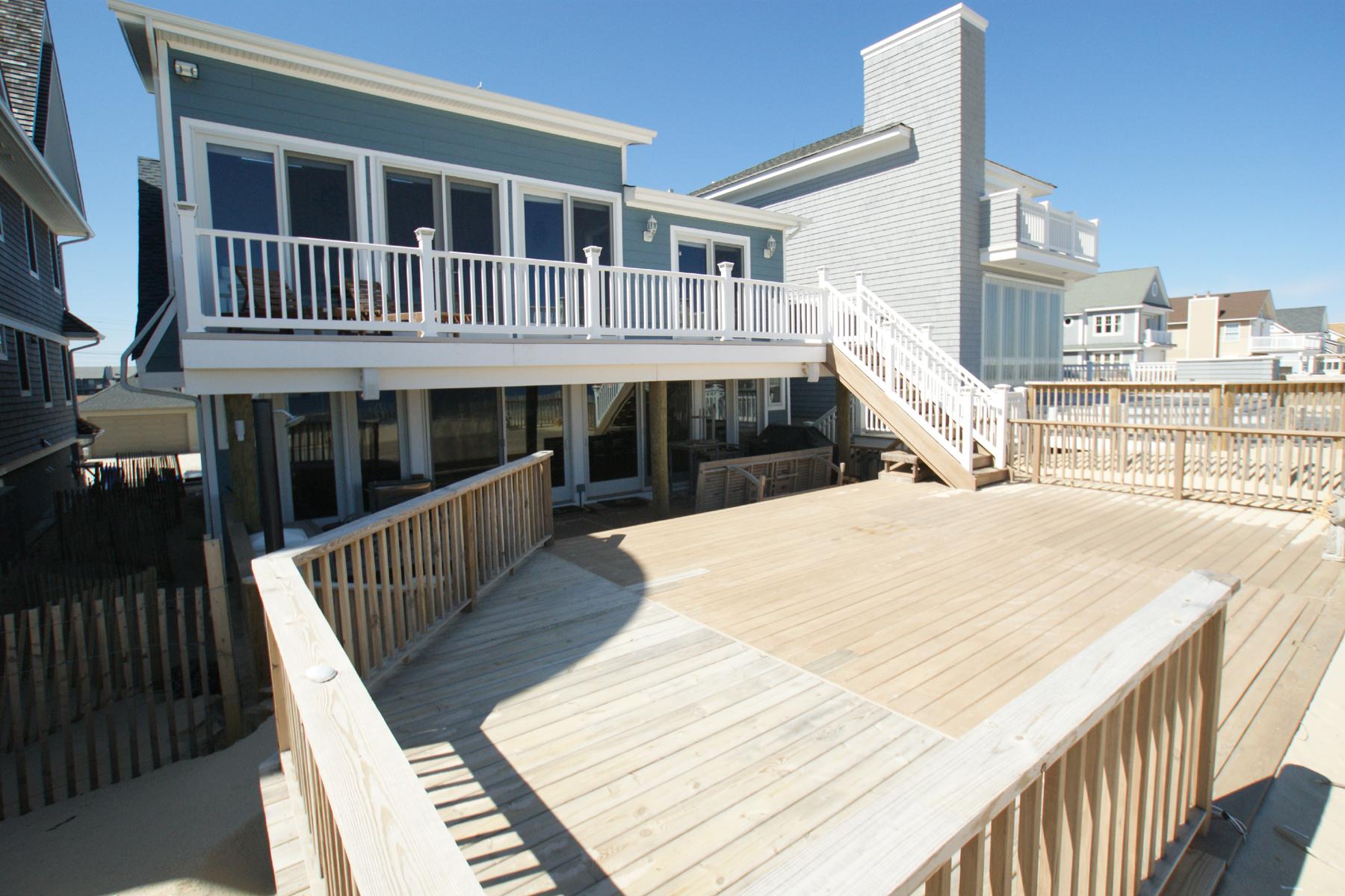 단독 가정 주택 용 매매 에 Gorgeous Oceanfront Home 3632 Ocean Terrace Normandy Beach, 뉴저지, 08739 미국