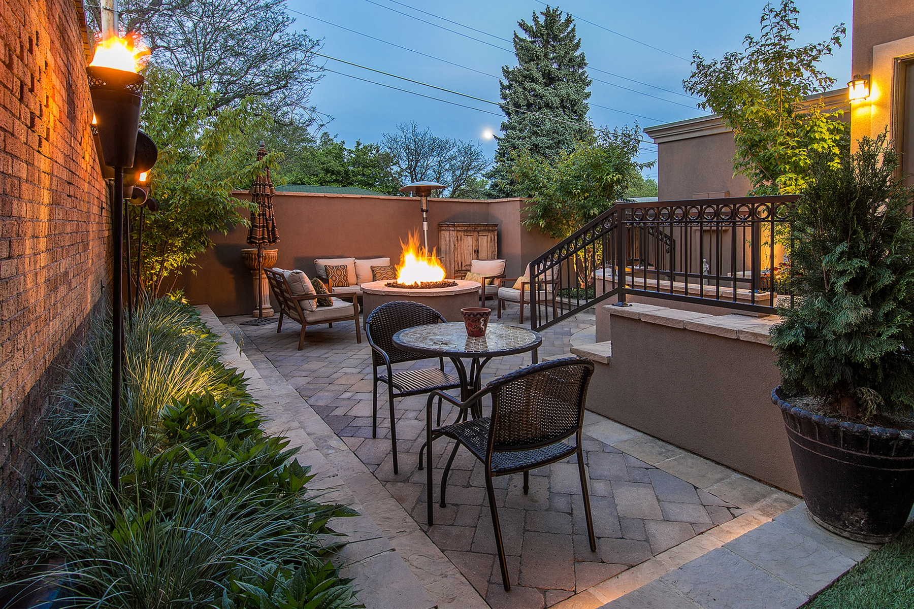 Single Family Home for Sale at Sophisticated and Elegant Oasis in the City 800 York Street Denver, Colorado 80206 United States
