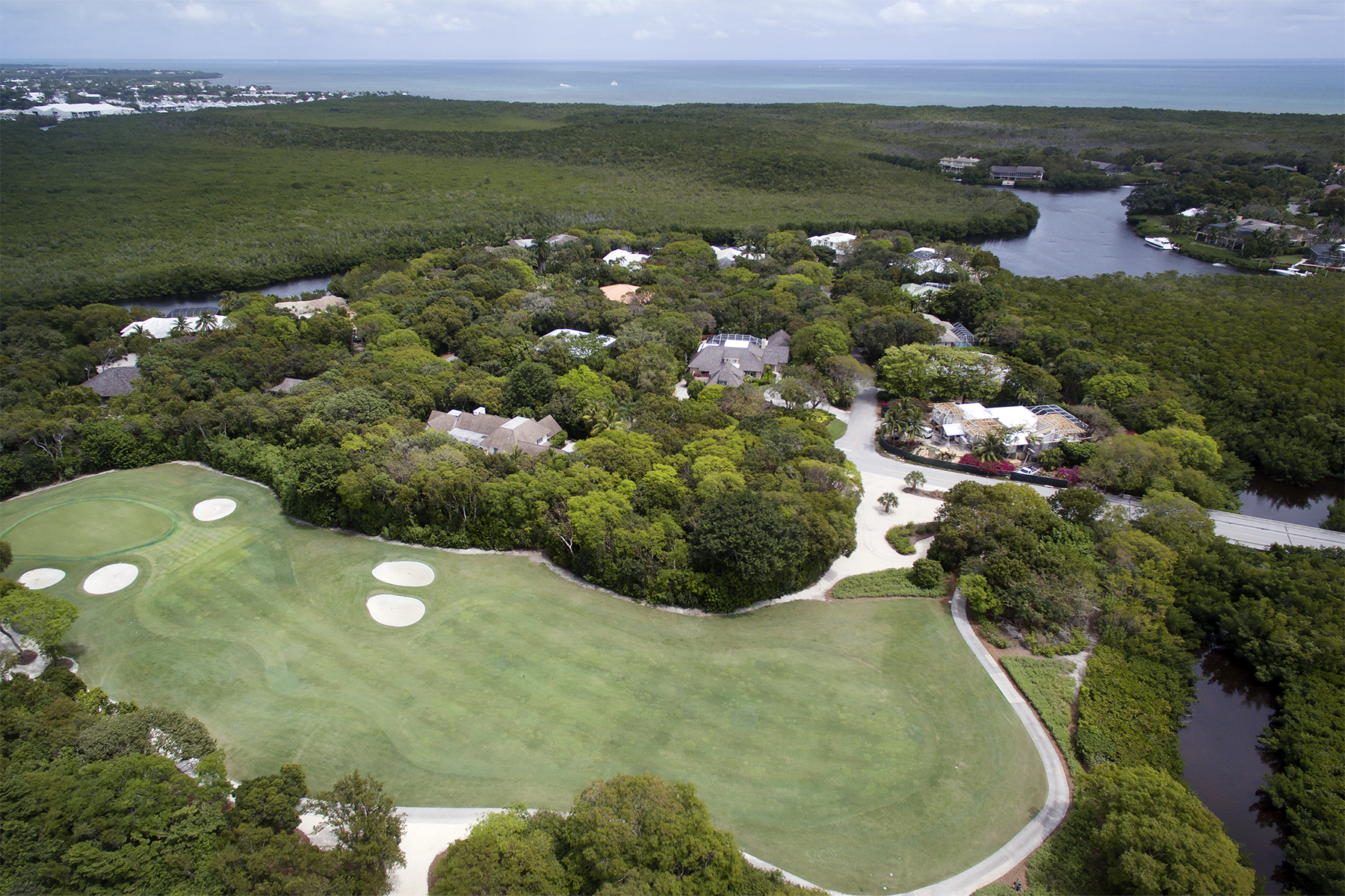 Terrain pour l Vente à Golf Course Buildable Lot at Ocean Reef 10 South Harbor Drive Ocean Reef Community, Key Largo, Florida, 33037 États-Unis