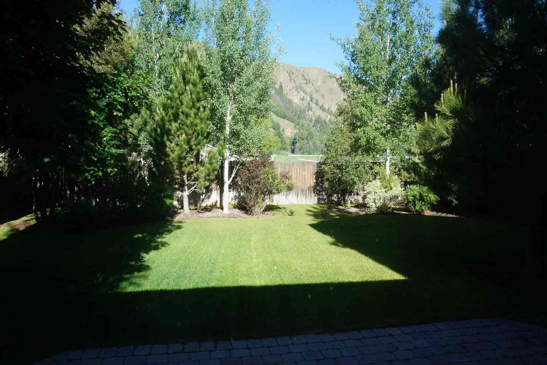 Additional photo for property listing at Northtidge Craftsman 1261 N. Second Ave Hailey, Idaho 83333 Estados Unidos