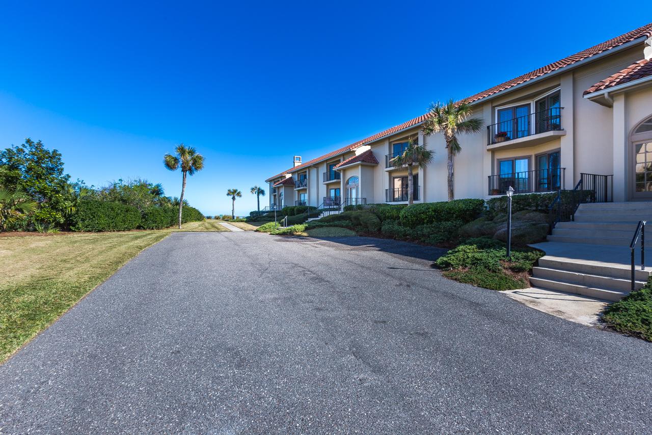 Piso por un Venta en Panoramic Atlantic Views from this Contemporary Villa 8030 First Coast Highway 10-A Amelia Island, Florida, 32034 Estados Unidos