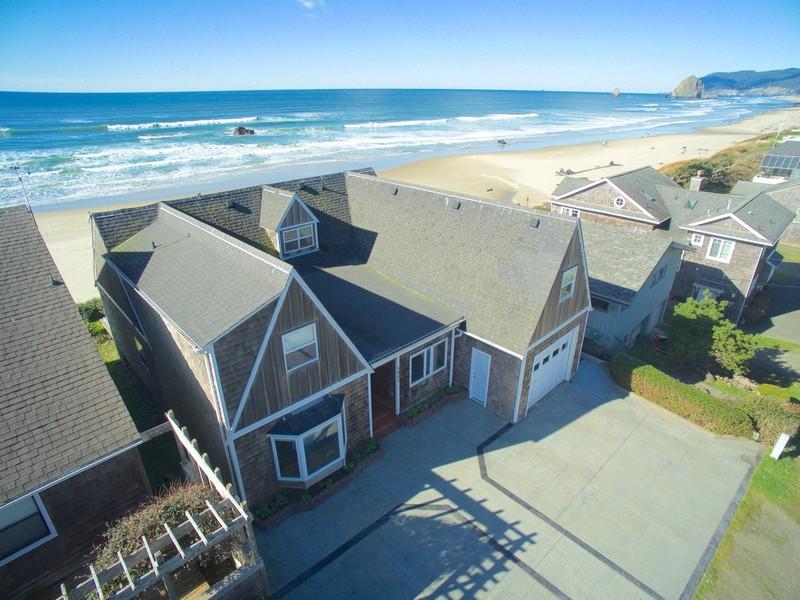 Nhà ở một gia đình vì Bán tại Oceanfront in Cannon Beach 3947 Ocean Ave Cannon Beach, Oregon 97110 Hoa Kỳ