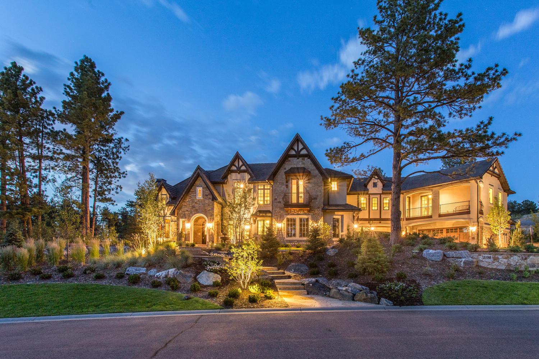 Casa para uma família para Venda às 2198 Avenida Del Sol Castle Rock, Colorado, 80104 Estados Unidos
