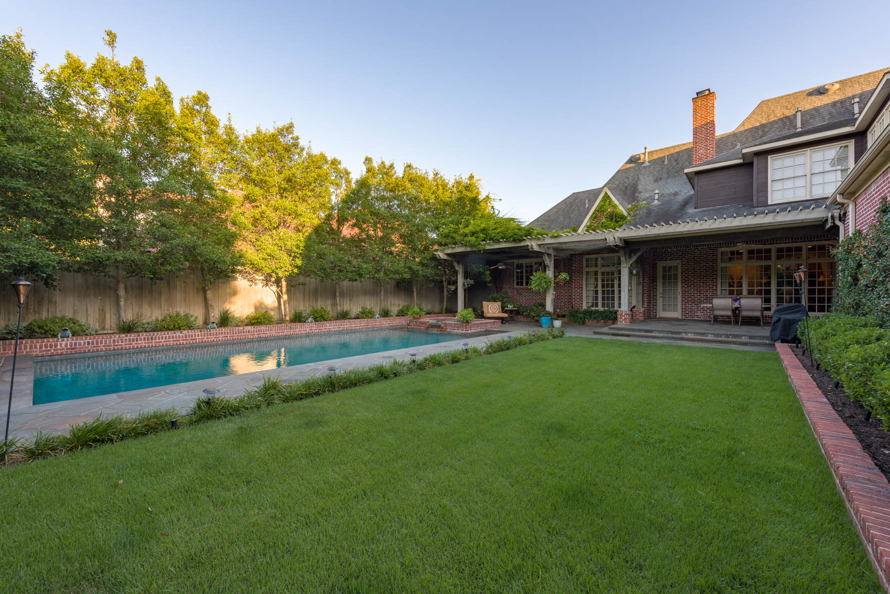 Additional photo for property listing at Shaded Corner Lot in Preston Hollow 6707 Norway Road Dallas, Texas 75230 United States