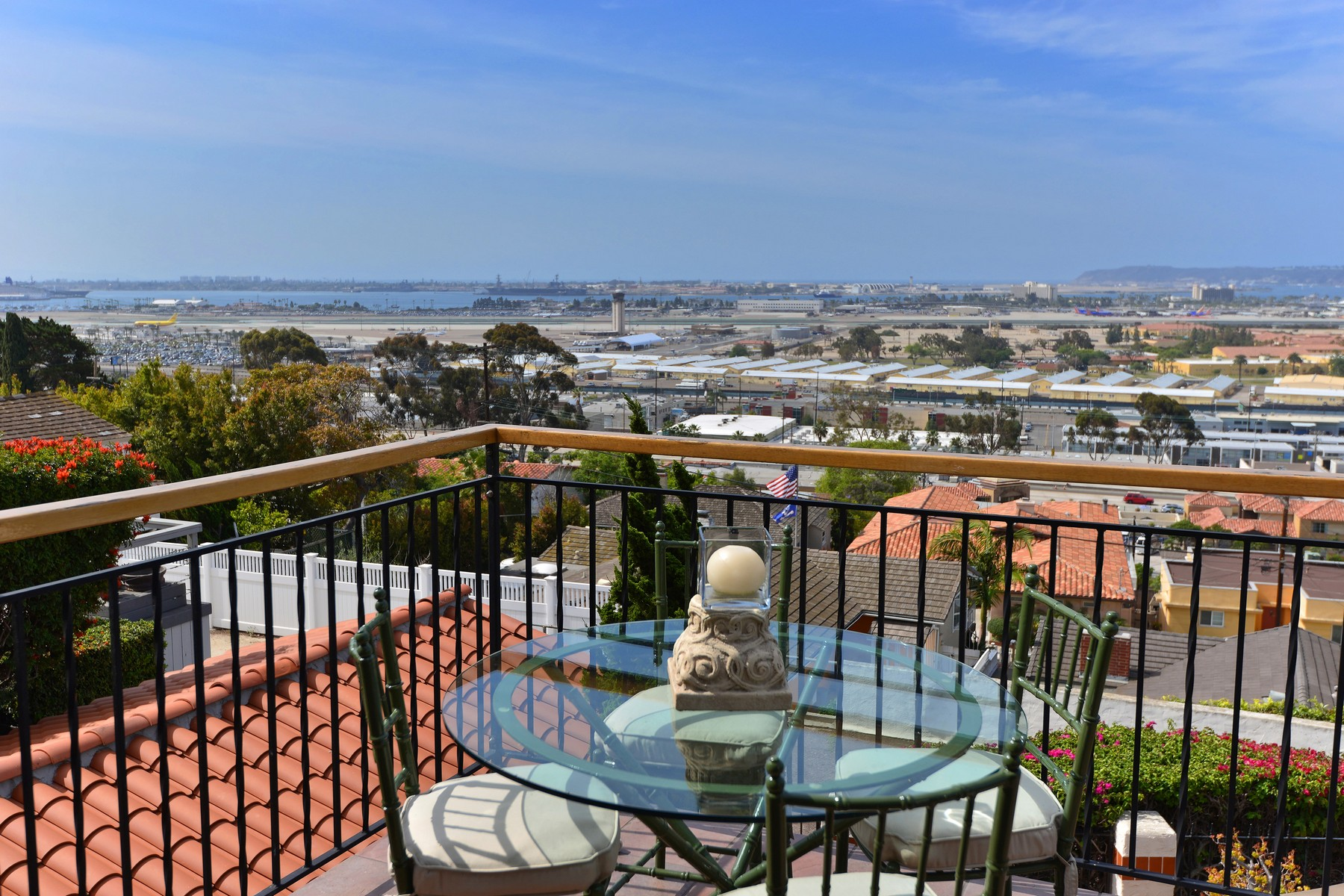 Additional photo for property listing at 1977 Titus Street  San Diego, Californie 92103 États-Unis