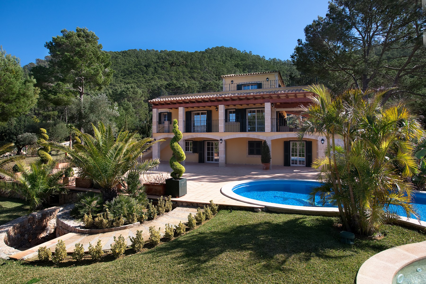 Maison unifamiliale pour l Vente à Luxury property with harbour views in Port Andratx Port Andratx, Majorque, 07157 Espagne