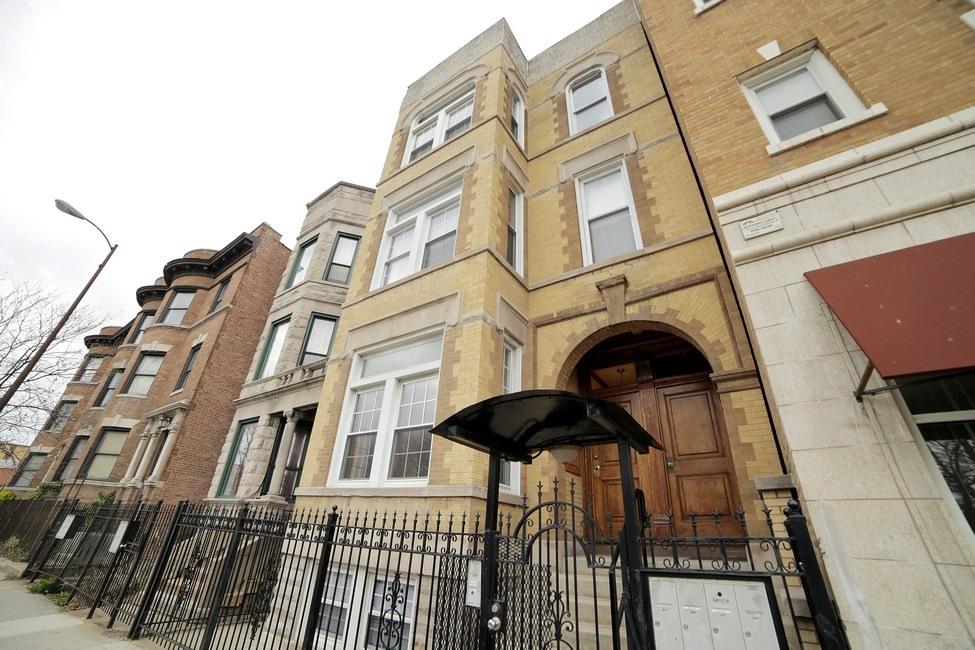 Многосемейный дом для того Продажа на Stunning Multi-Unit in Humboldt Park 3044 W North Avenue Humboldt Park, Chicago, Иллинойс 60647 Соединенные Штаты